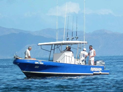 Bahamas 27ft papagayo fishing charters for Nassau fishing charters